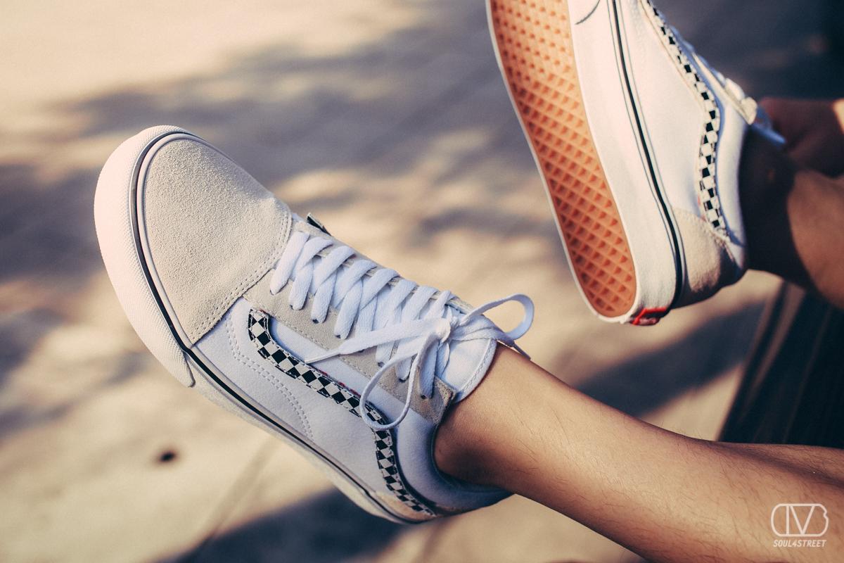 รองเท้าแวน